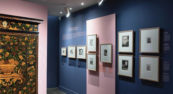 Le cabinet Rembrandt et l'une des gravures exposées au Couvent Sainte-Cécile.