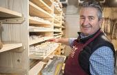 Jean-Michel Coquet, expert fromager, s'est doté d'un nouvel outil à Saint-Nazaire-les-Eymes.