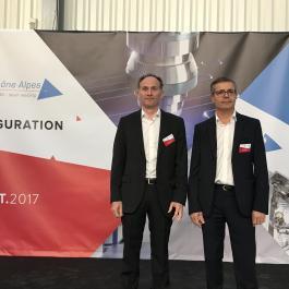 Sébastien Lafaye, directeur de l'usine Laser Rhône-Alpes, et Lucio Maggio, directeur général de Laser Rhône-Alpes et Micro Technic
